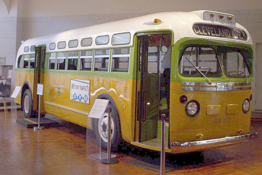 Este es un autobús de la línea que utilizaba Rosa Parks. Actualmente se encuentra en el museo Henry Ford --© rmhermen